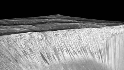 Mars dark streaks